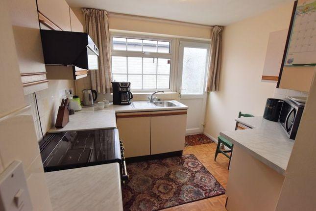 Kitchen of Stuart Close, Bletchley, Milton Keynes MK2