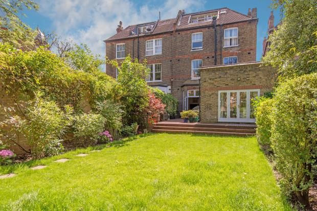 Thumbnail Flat for sale in Canfield Gardens, South Hampstead, London