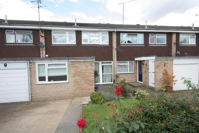 3 bed terraced house to rent in Farm Close, Harpenden, Hertfordshire AL5