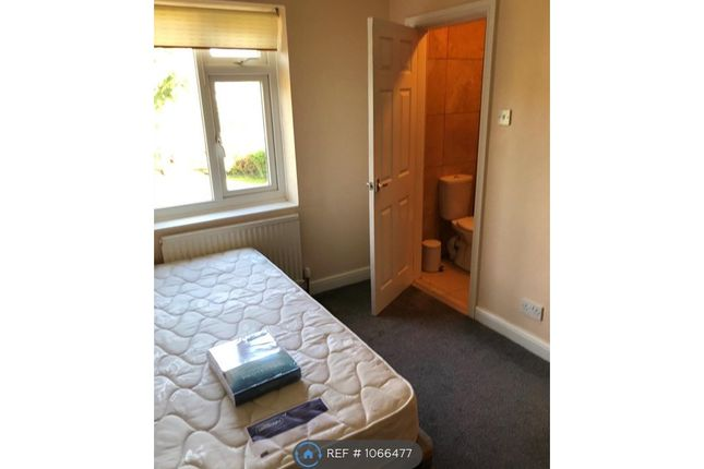 Room to rent in Holly Bank Road, York YO24