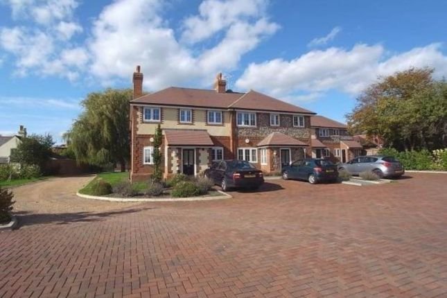 Thumbnail Flat to rent in North Street, Winkfield, Windsor