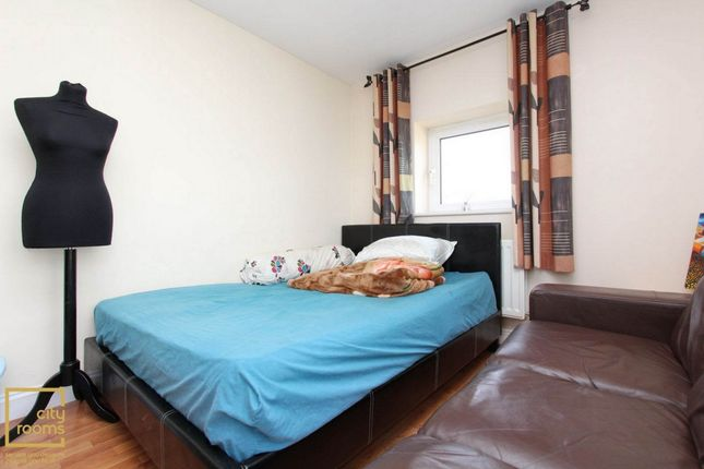 Thumbnail Room to rent in Wards Wharf Approach, Pontoon Dock, City Airport