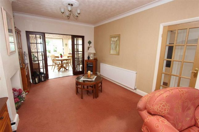 Through Lounge of Fairlight Avenue, North Chingford, London E4