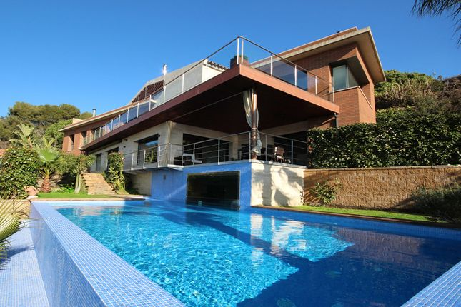 Thumbnail Villa for sale in Premia De Dalt, Barcelona, Spain
