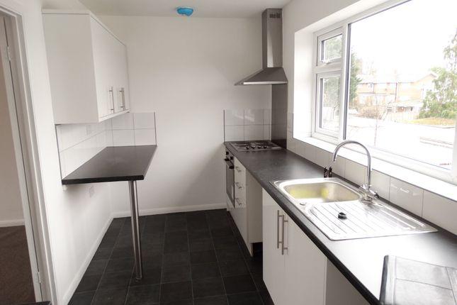 3 bed flat to rent in The Parade, Staplehurst, Tonbridge, Kent