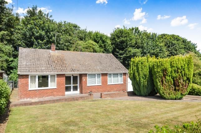 Thumbnail Bungalow for sale in Martin Dale Crescent, Martin Mill, Dover, Kent