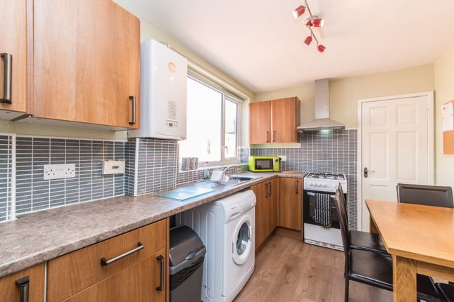 Thumbnail Maisonette to rent in Stratford Grove West, Heaton, Newcastle Upon Tyne