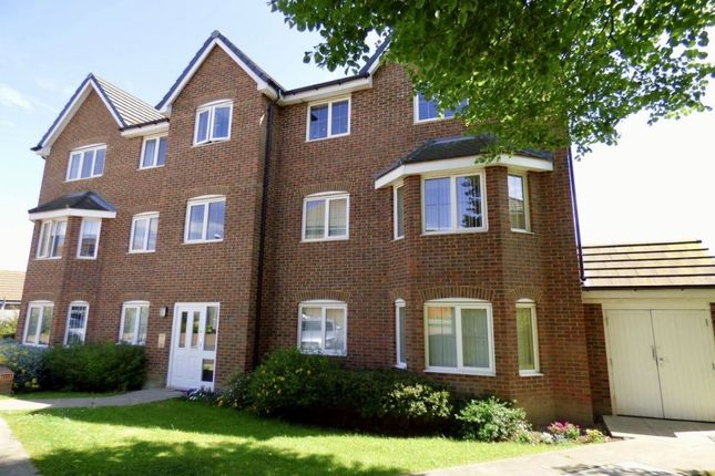 Thumbnail Flat to rent in Woodland Drive, Middleton, Leeds