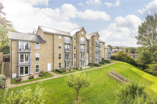 2 bed flat for sale in Ben Rhydding Road, Ilkley LS29