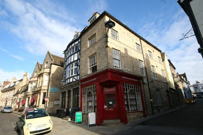 Studio to rent in Red Lion Square, Stamford, Lincolnshire PE9