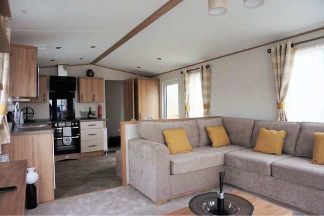 Lounge of Braunton Road, Barnstaple EX31