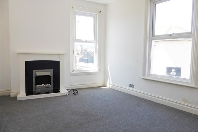 Thumbnail Flat to rent in Iddesleigh Terrace, Dawlish