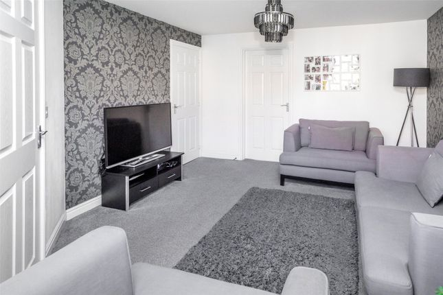Lounge of Hornbeam Close, Selby YO8