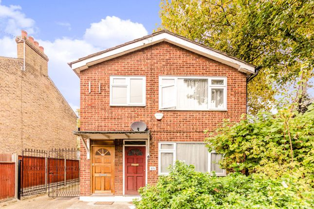 Thumbnail Flat for sale in Forest Road, Leytonstone