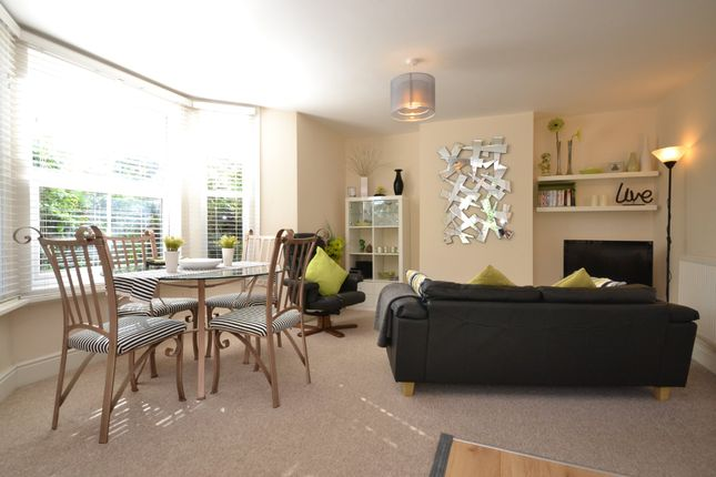 Thumbnail Flat to rent in Spencer Road, Ryde