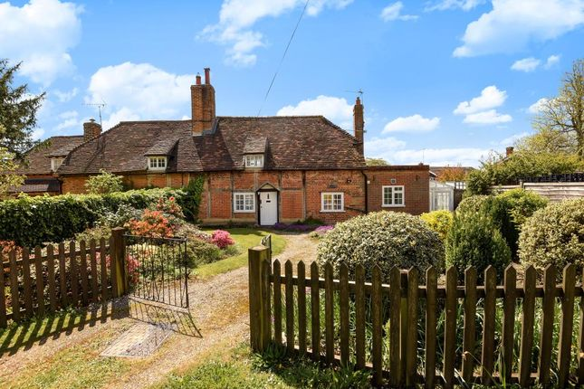 Thumbnail Cottage for sale in Nettlebed, Near Henley-On-Thames