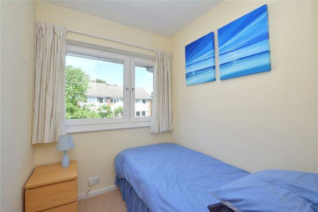 Picture No. 16 of Hatcliffe Close, Blackheath, London SE3