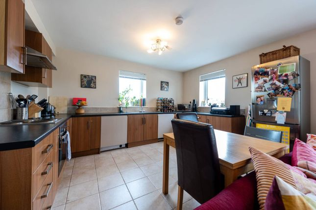 Thumbnail Flat to rent in Suffolk Road, South Norwood, London