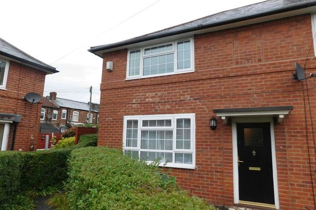 Thumbnail Flat to rent in Bordale Avenue, Manchester