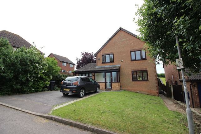 4 bed detached house to rent in Hawthorns, Harlow