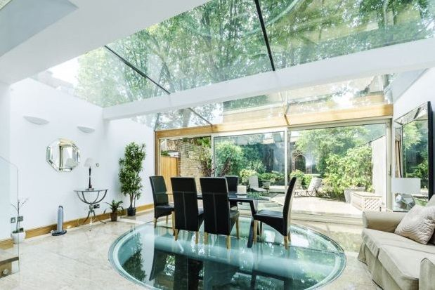 Thumbnail Property to rent in Cheyne Place, Chelsea