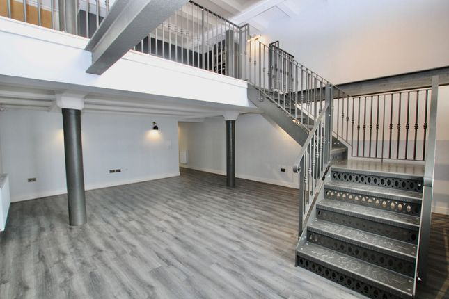 Thumbnail Flat to rent in Regent Road, Liverpool
