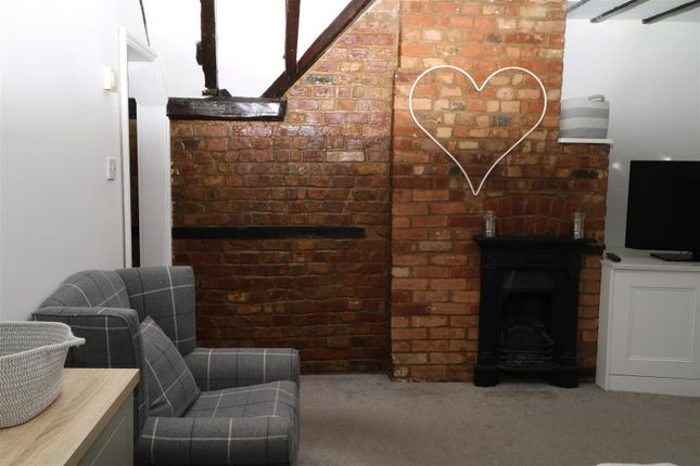 Thumbnail Flat to rent in West Street, West Malling