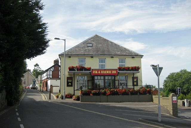 Thumbnail Pub/bar for sale in Sennybridge, Usk