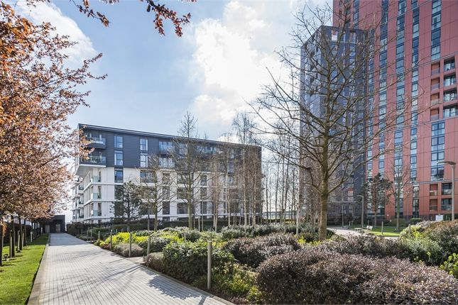 Thumbnail Flat for sale in Lowe House, 12 Hebden Place, London