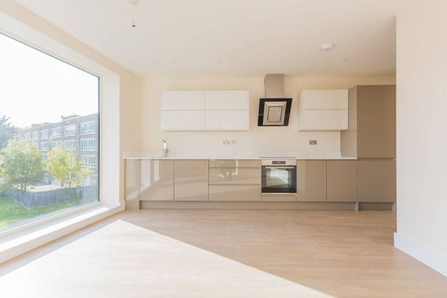 Thumbnail Flat to rent in High Street, Hornsey, London