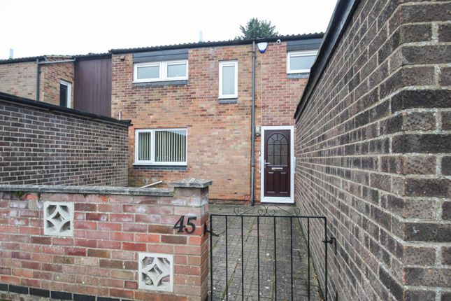 Thumbnail Terraced house for sale in Molewood Close, Cambridge