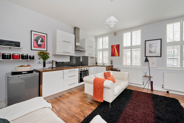 1 bed flat for sale in St. John's Hill, Clapham Junction, Battersea SW11