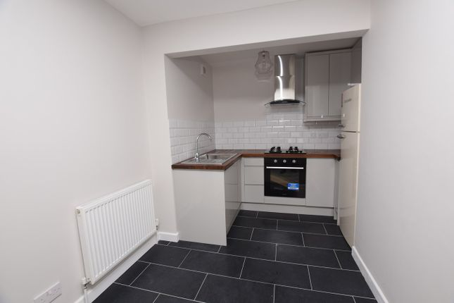 2 bed flat to rent in Calthorpe Road, Banbury OX16