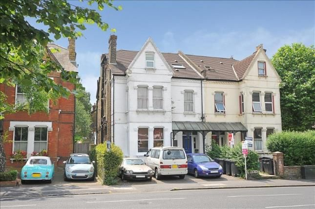 2 bed flat for sale in Croham Road, South Croydon