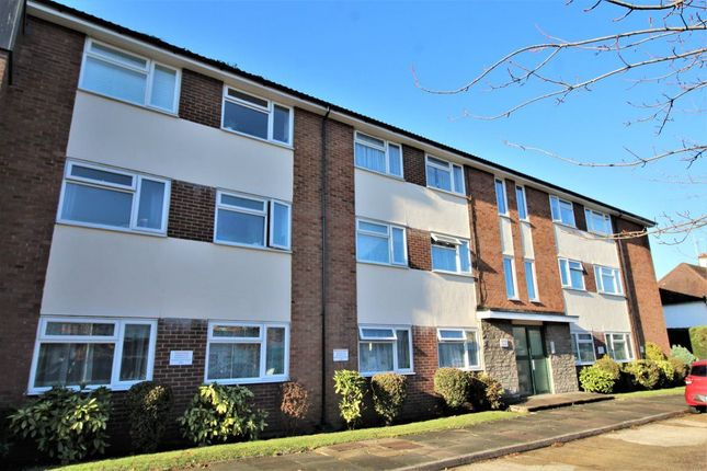 Thumbnail Flat to rent in London Road, Riverhead, Sevenoaks