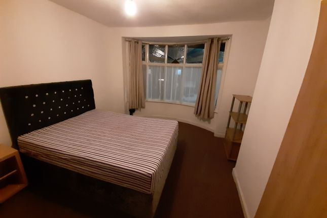 Thumbnail Shared accommodation to rent in Woodlands Road, Cheetham Hill, Manchester