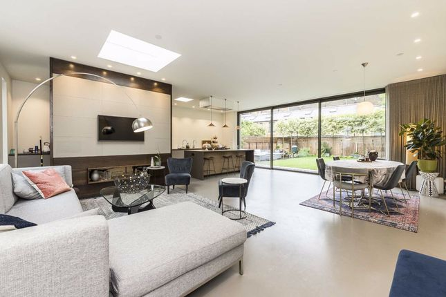 Thumbnail Detached house to rent in Orchard Place, London