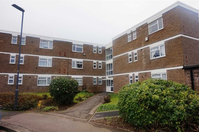 Thumbnail Flat to rent in Norfolk House, Stratton Close, Edgware