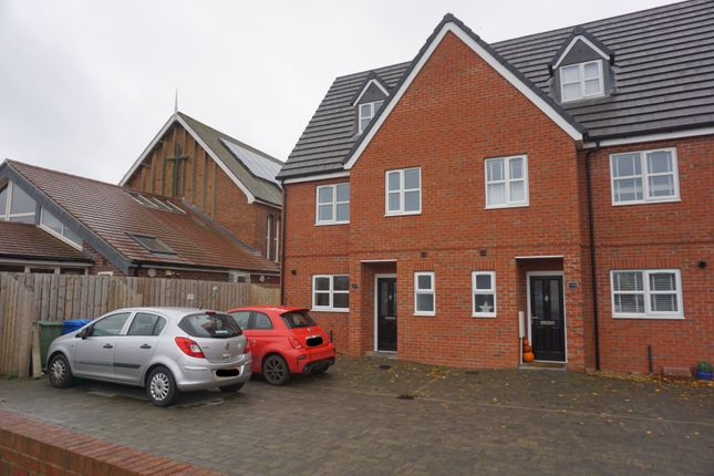 Thumbnail End terrace house for sale in Hull Road, Hull