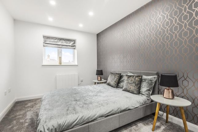 Thumbnail 2 bed flat for sale in Chapel Street, Thatcham