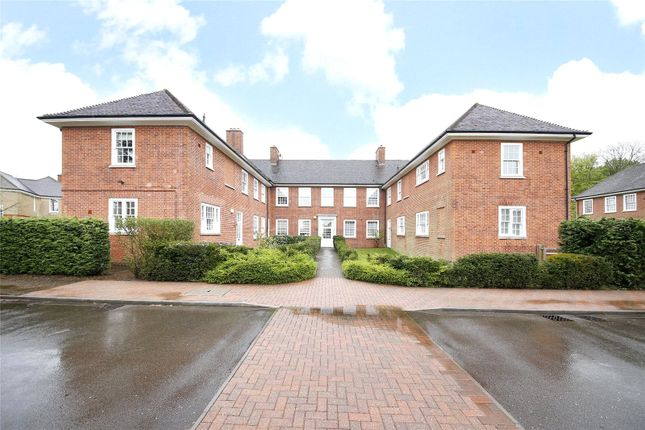 Thumbnail Flat for sale in Leyfield Villa, Cayton Road, Coulsdon