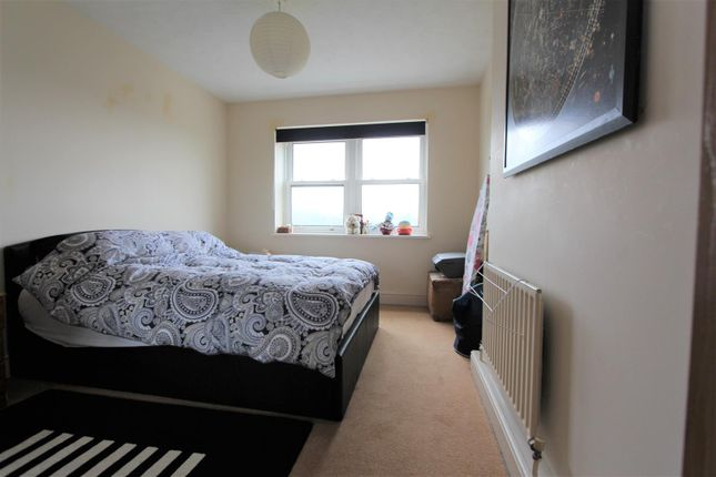 Bedroom of Waterslade, Elm Road, Redhill RH1