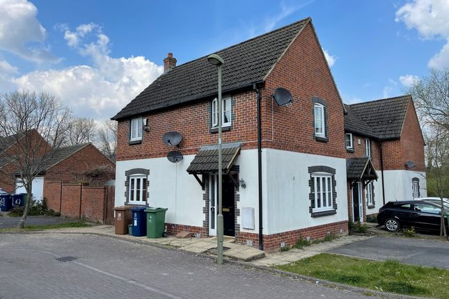3 bed semi-detached house to rent in Hubble Close, Headington, Oxford OX3