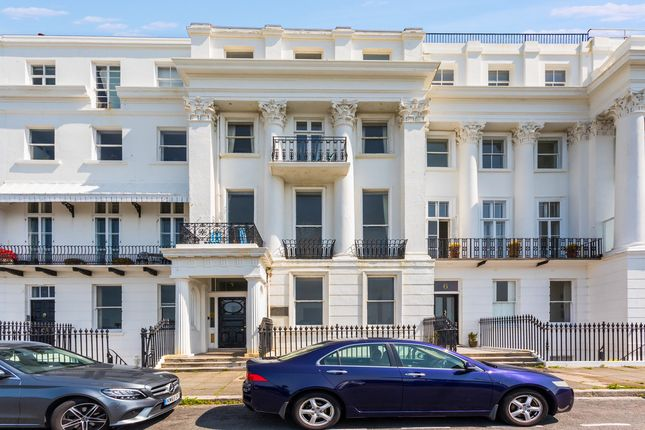 3 bed flat for sale in Arundel Terrace, Brighton BN2