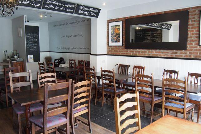 Thumbnail Restaurant/cafe for sale in Cafe & Sandwich Bars NE25, Northumberland