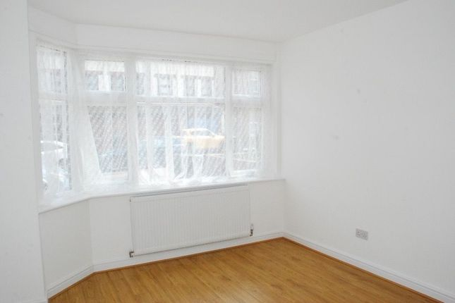 Thumbnail Terraced house to rent in Mount Avenue, Southall