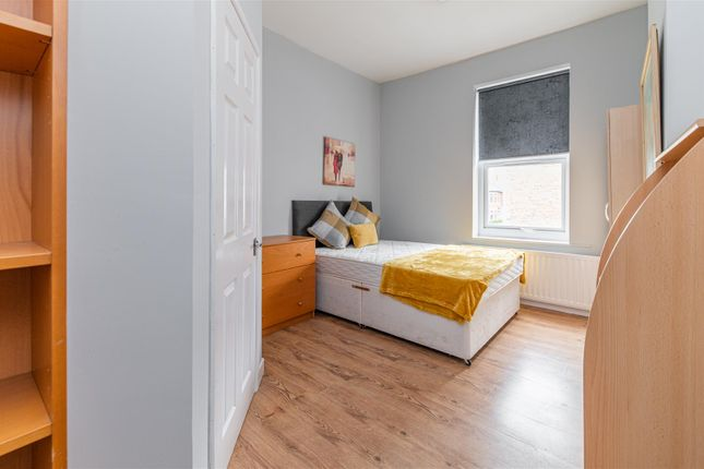 Studio to rent in Chillingham Road, Heaton, Newcastle Upon Tyne NE6