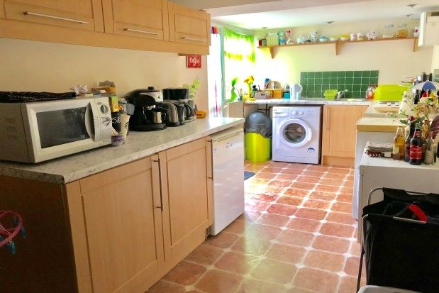 Thumbnail Flat to rent in Emma Place, Stonehouse, Plymouth