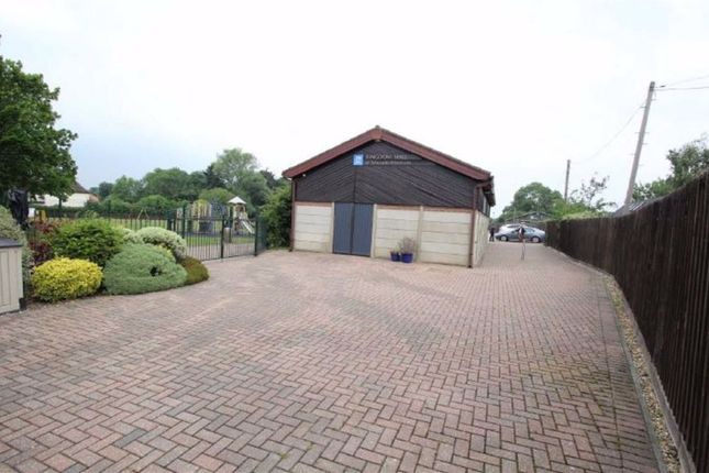 Thumbnail Property for sale in Hawkshead Road, Potters Bar, Hertfordshire