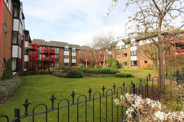 Thumbnail Flat for sale in Caversham Wharf, Waterman Place, Reading